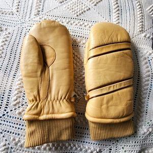 Vintage beige leather ski mittens by Gordini